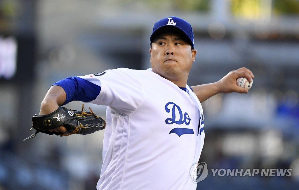 류현진, 수비 불안·좁은 스트라이크존 딛고 시즌 11승 달성