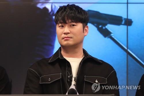 """설리 옛 연인 최자 """"보고 싶다""""…다듀는 앨범 발매 연기"""