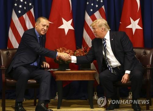 """트럼프 """"터키 에르도안도, 쿠르드도 휴전 매우 원해"""""""