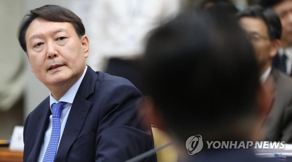 """윤석열 'MB정부 쿨' 발언 해명… """"文정부 얘기도 하려다 끊겨"""""""