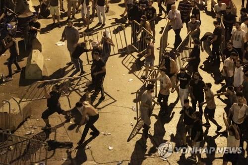 레바논서 이틀째 격렬한 반정부 시위…경제난·부패에 분노