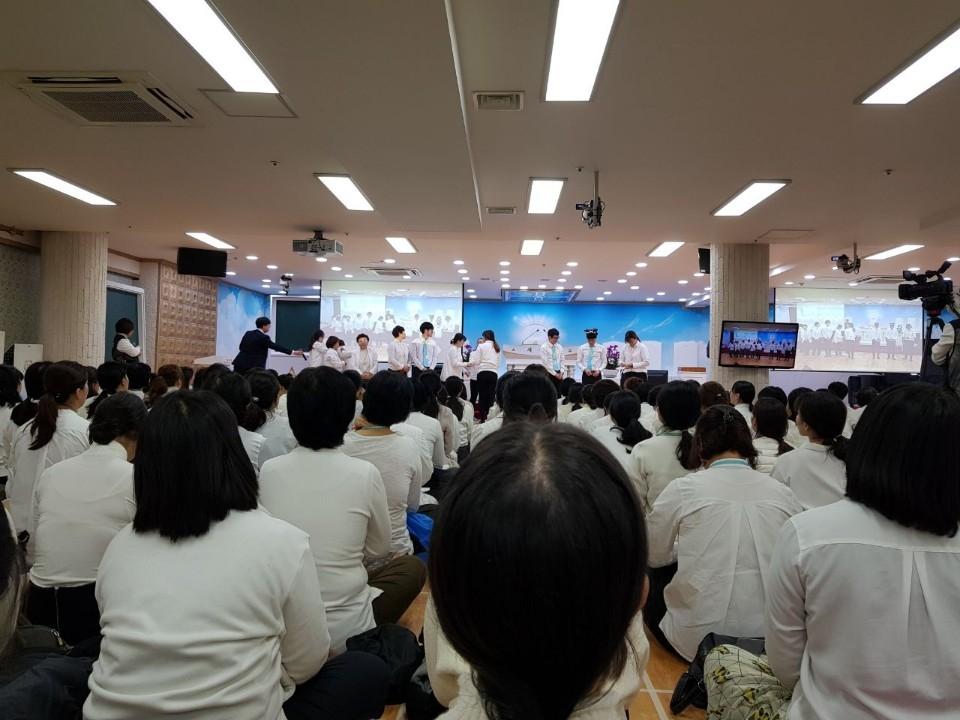 """신천지 '독특한 예배방식' 거짓해명 논란… """"언론이 왜곡"""" 비판도"""