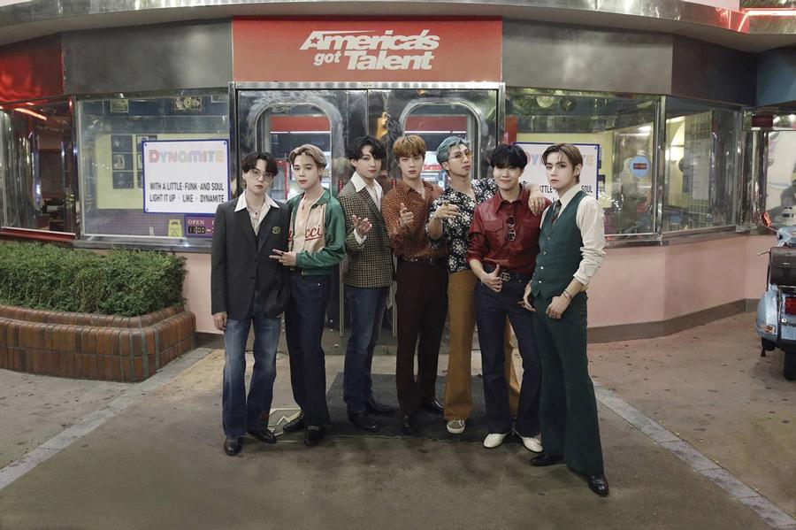 """""""글로벌 팝 슈퍼스타""""…방탄소년단, '아메리카 갓 탤런트' 무대"""