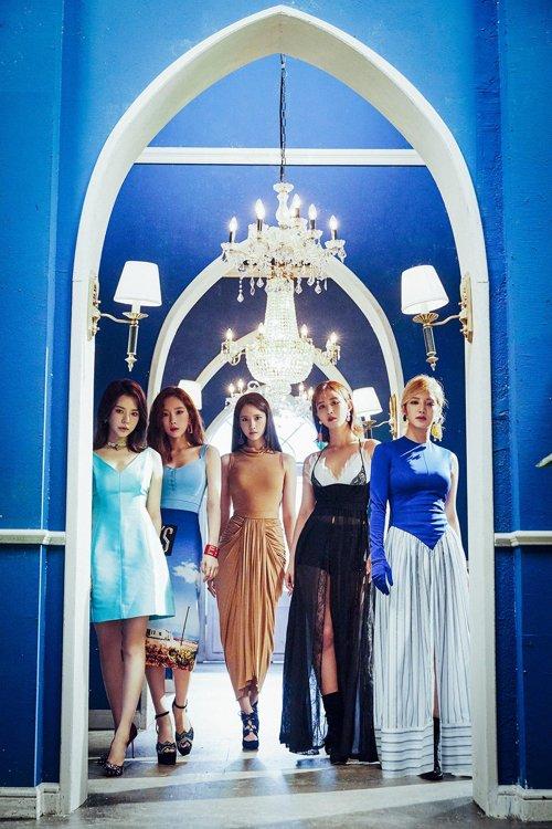 소녀시대 멤버 5명, SM과 재계약…동행 이어간다