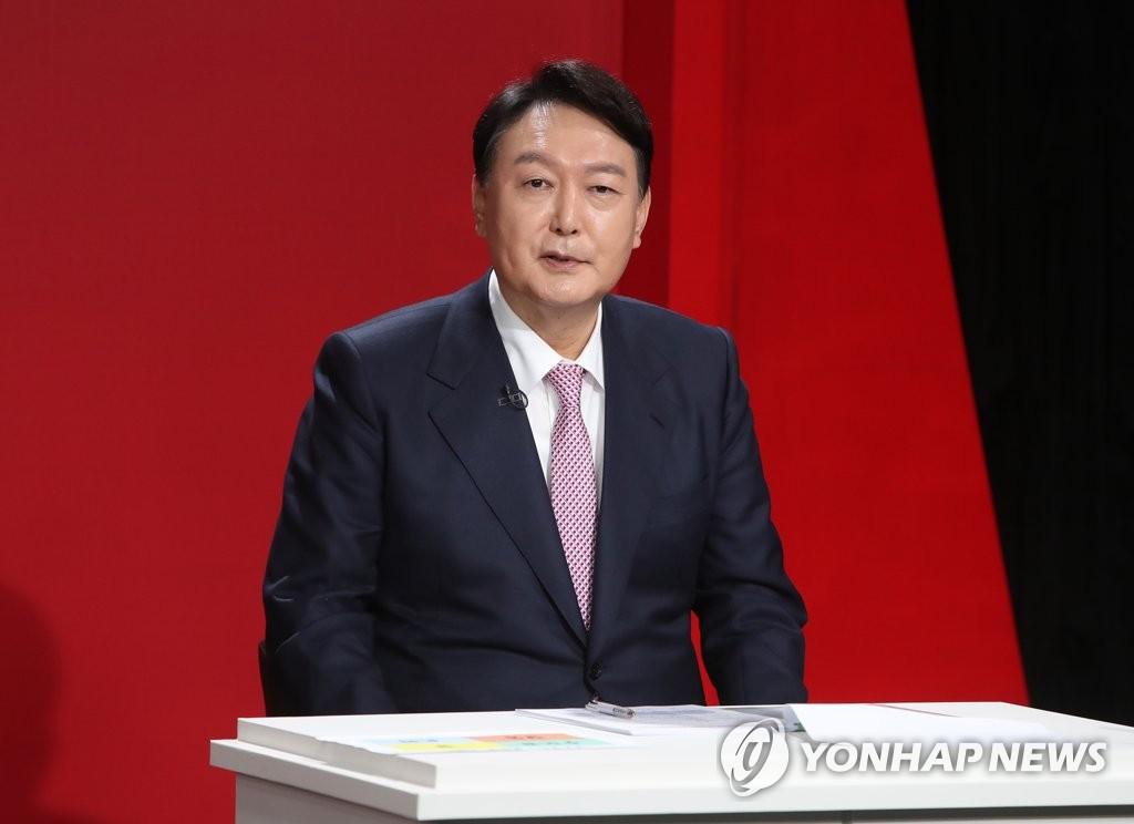 "TV토론도 SNS사진 논란…劉 ""국민 개 취급?"" 尹 ""제 책임"""